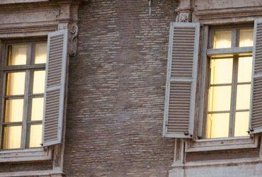 """""""Lei resta a casa"""", lettera al Procuratore e al Prefetto di Pisa per chiedere l'allontanamento del maltrattante"""