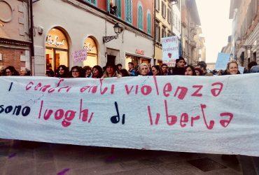 Pisa, record di chiamate al centro antiviolenza nel 2020: tutti i dati del Telefono Donna